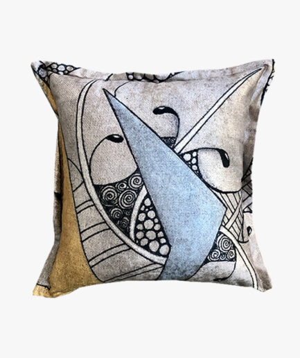 SCT024- the dancing holly scatter cushion