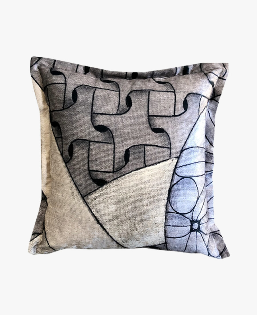 SCT025 - the weave scatter cushion